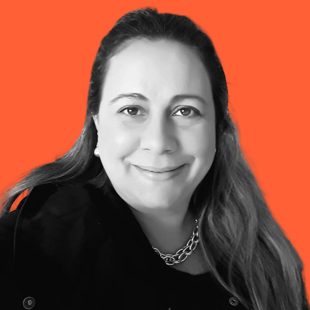 Profª. Drª. Fabíola Dantas Andréz Nobre Arantes de Carvalho