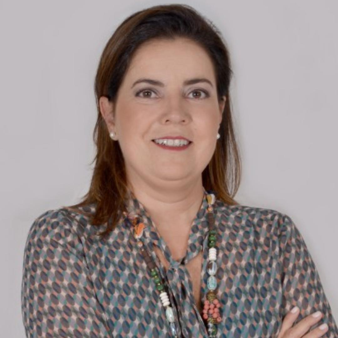 Profª. Esp. Ana Luiza Costa Galizia