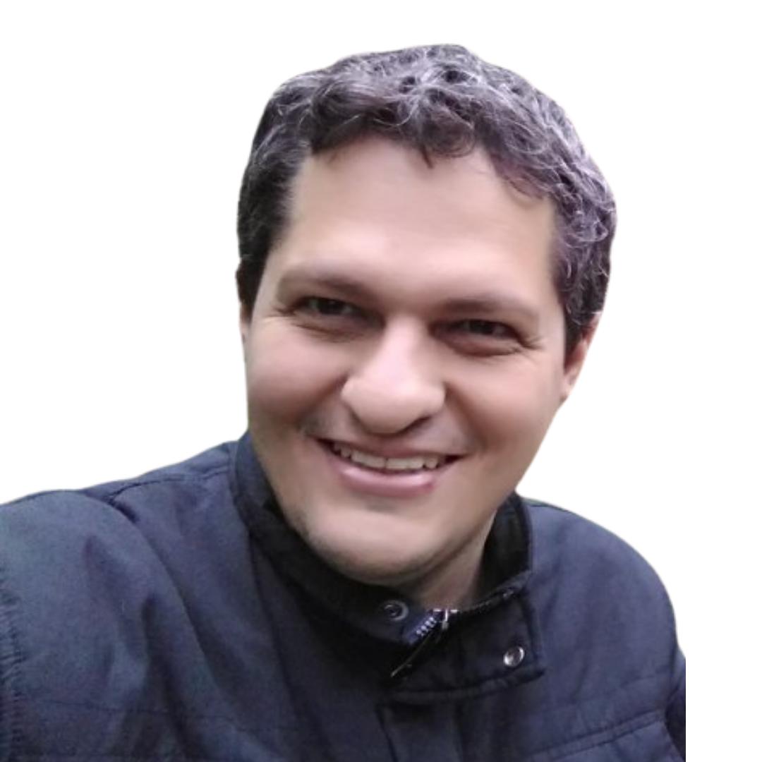 Prof. Esp. Rafael Zolla Santarossa